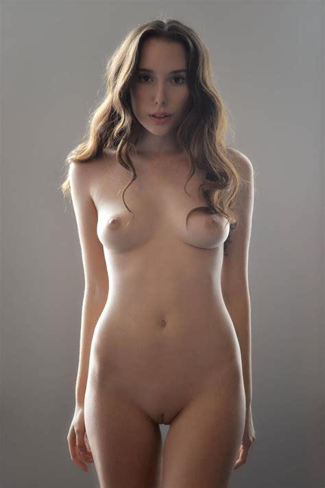 Fitzgerald nude willa Willa Holland