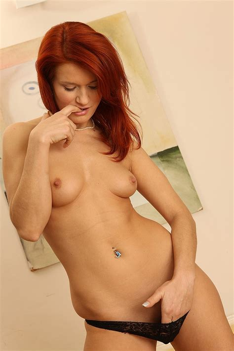 Lovely Redhead Milf Show Off Her Knockers Milf Fox