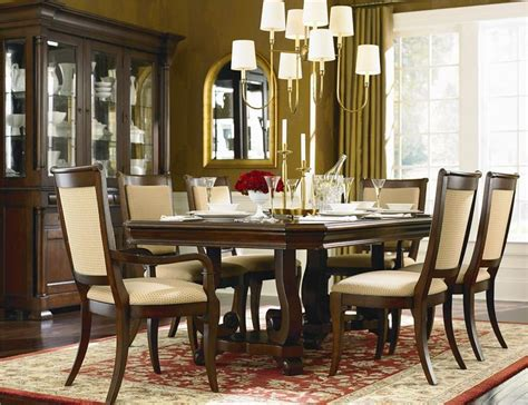 louis philippe  piece dining room set  bassett