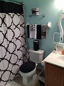 25 best ideas about teen bathroom decor on pinterest With small bathroom tile ideas for teens
