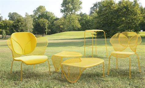organic shaped sunny colored outdoor furniture  areadeclic