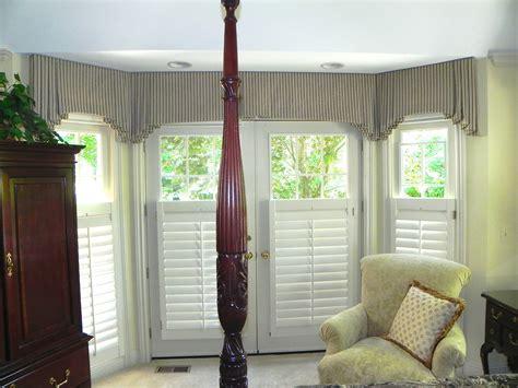 window valances and cornices bay window valance 187 susan s designs