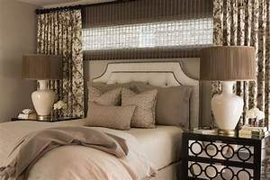 Curtains, Behind, Bed, -, Traditional, -, Bedroom