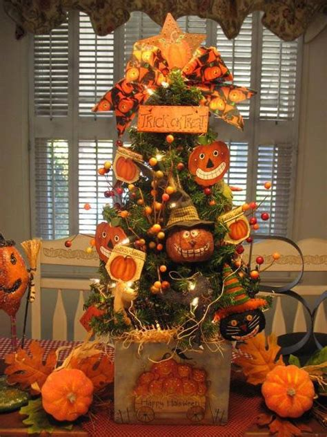 trick  treat halloween tree pictures   images