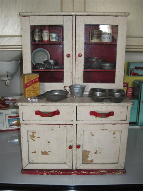 Fashioned Kitchen Cupboards by Pin By Beverly On Memories Cupboard