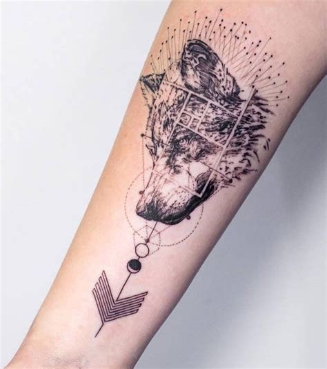 tatouage interieur avant bras tatouage femme un tatouage de loup sur l avant bras tatoo and tatoos