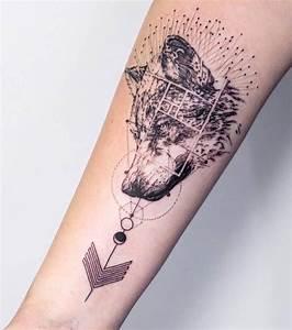 Tattoo Avant Bras : tatouage femme un tatouage de loup sur l 39 avant bras ~ Melissatoandfro.com Idées de Décoration