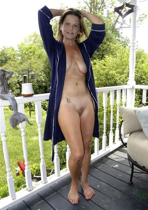 Ojuny1341923685  In Gallery Hot American Milf Gilf Great Legs Picture 1 Uploaded By Bockzy