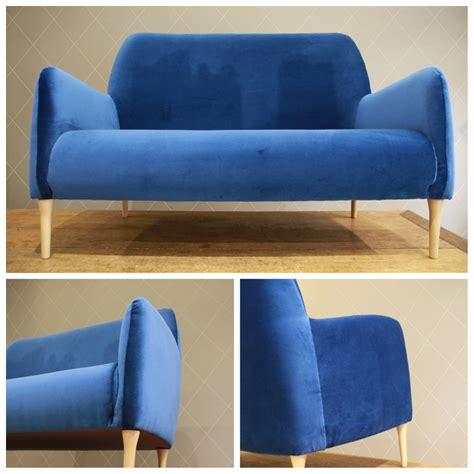 restauration canapé cuir canapé design en velours bleu atelier md2