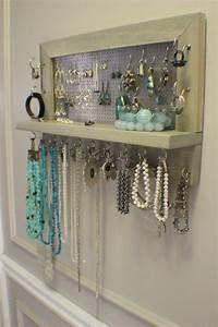 Idée Rangement Bijoux : ranger ses bijoux avec style c est possible bijoux accessoires rangement de bijoux ~ Melissatoandfro.com Idées de Décoration