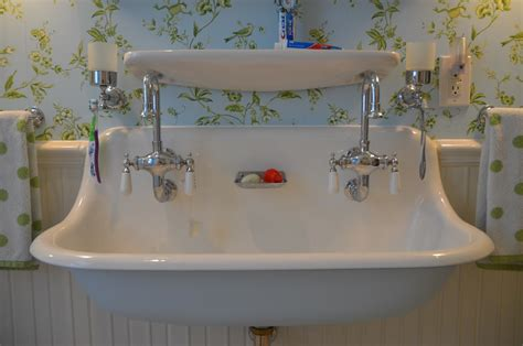 Bathroom Sinks And Faucets Ideas by 40 Vintage Style Bathroom Sinks 28 Lovely And Inspiring