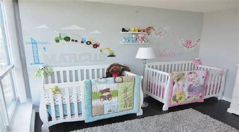 décoration chambre de bébé mixte deco chambre bebe jumeaux mixte visuel 2