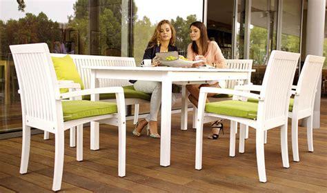 salon de jardin en bois blanc abri de jardin  balancoire idee