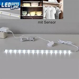 Led Lichtleiste Küche : led lichtleiste sensor schrank k che beleuchtung 2346 150s briloner leiste strip ebay ~ Whattoseeinmadrid.com Haus und Dekorationen