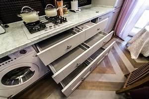 Skryté zásuvky v kuchyni