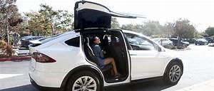 Tesla Porte Papillon : les probl mes du model x font vaciller tesla automobile ~ Nature-et-papiers.com Idées de Décoration