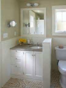 bungalow bathroom ideas small cottage bathroom houzz