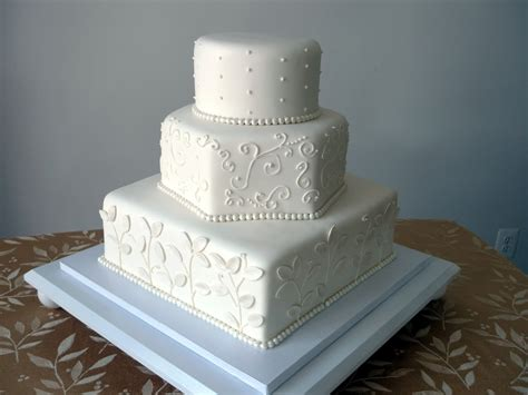 Elegant Black & White Wedding Cakes