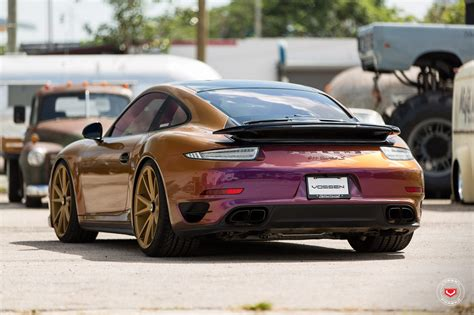 color flip porsche 911 turbo on vossen wheels gets a cool