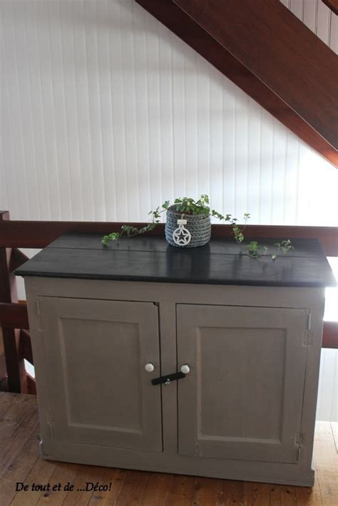 peinture liberon pour cuisine très vieux meuble relooké en taupe et noir peinture