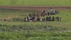 Turkey tightens security at Syria border, but still many ...
