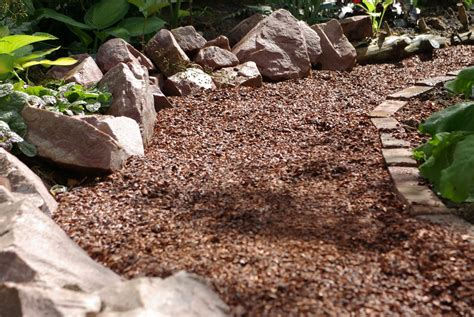 is mulch toxic backyard pet safety watch out for these 6 deadly hazards better housekeeper