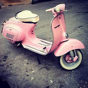 pink vespa! | One day I'm going to have a pink vespa ...
