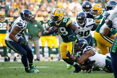 thursday night football green bay packers  seattle