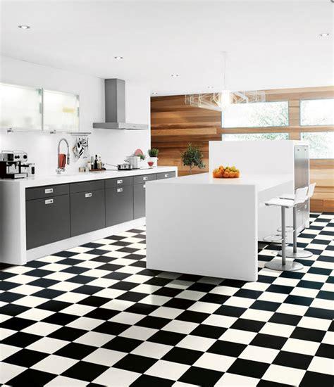 carrelage cuisine damier noir et blanc conseils d 233 co adopter le carrelage damier noir et blanc