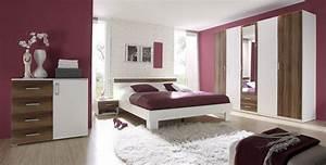 Lila Im Schlafzimmer : schlafzimmer lila wand ~ Markanthonyermac.com Haus und Dekorationen