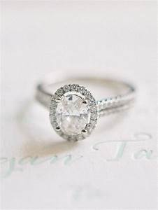 Engagement rings ideas elegant oval cut engagement ring for Wedding ring descriptions