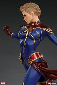 Marvel Captain Marvel Premium Format(TM) Figure by ...