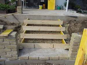 Treppe 4 Stufen Selber Bauen : bvh stratzing die stufen zur terrasse ~ Bigdaddyawards.com Haus und Dekorationen