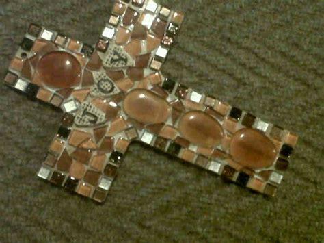 mosaic cross   sister lynn crosses decor mosaic
