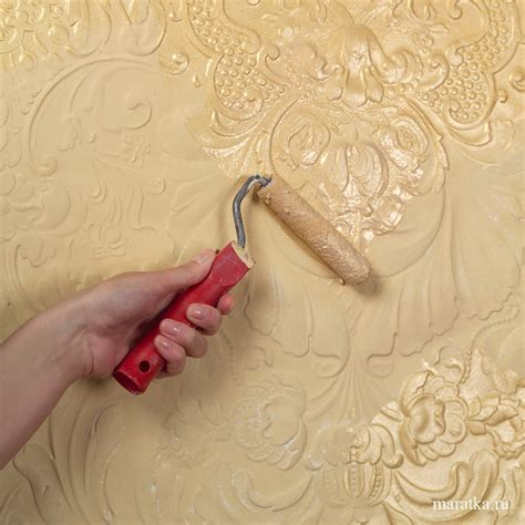 How to paint over wallpaper with your own hands