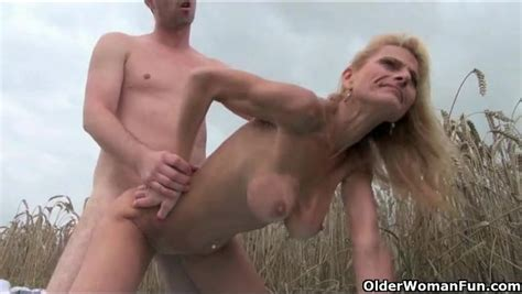 Sex In A Wheat Field With A Sexy Mature Blonde Outdoor Porn