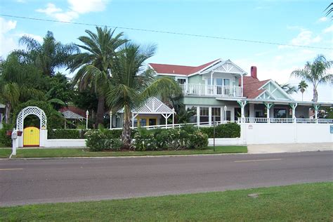 Sea Breeze Manor Bed And Breakfast Gulfport Florida Bed