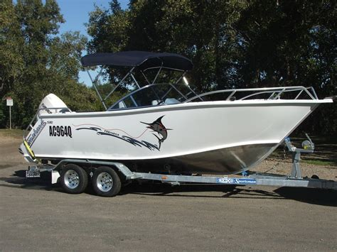 Offshore Bowrider Boats by New Formosa Tomahawk Offshore 580 Bowrider Power Boats