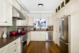 Cape Cod Style Kitchen Cabinets