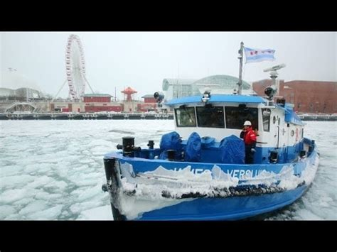 Tug Boat Horn Youtube by Polar Vortex Brings Out Icebreaker Tugboat Youtube