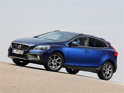 Volvo V40 Cross Country Backgrounds by Volvo V40 Cross Country D2 Wallpaper 2018 In Volvo