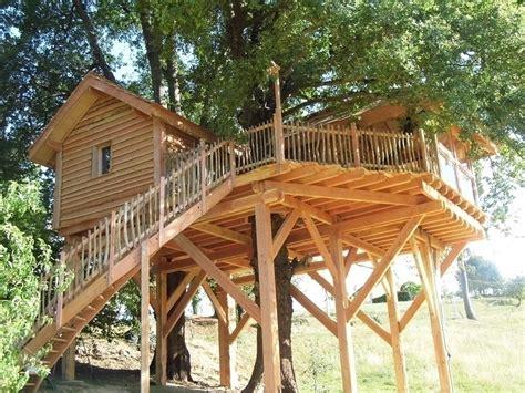 chambre d hote cabane dans les arbres cabane dans les arbres à fichous riumayou pyrénées