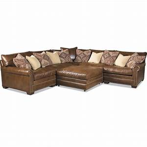 Huntington house 7107 ryan traditional sectional sofa with for Ryan traditional sectional sofa with nailhead trim by huntington house