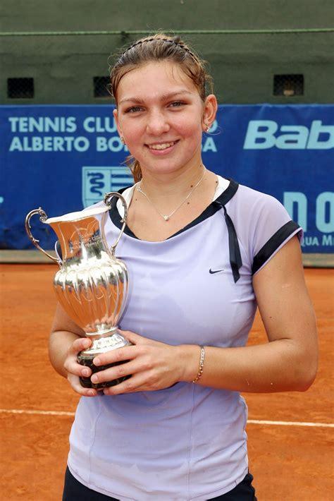 Simona Halep - Female Athletes - Bellazon