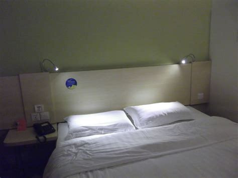Reading Lamp Bed In Headboard Regarding Emejing Bedroom
