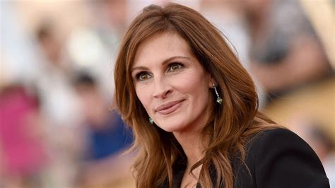 how old is actress julia roberts julia roberts favorite food breakfast lunch and dinner