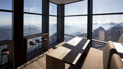 panorama  deutschlands hoechstes restaurant auf der