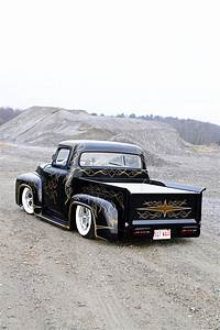 This 1956 Ford F-100 Pickup Rewrites The Book On Kustom
