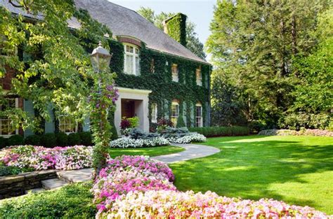 Jawdropping Flower Beds Arrangements And Landscape Designs