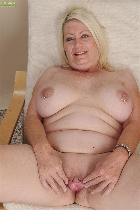 Blonde Milf Angelique Finger Play Her Minge Milf Fox